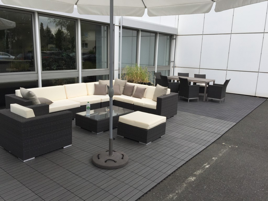 kirschlorbeer novita prunus laurocerasus novita. Black Bedroom Furniture Sets. Home Design Ideas